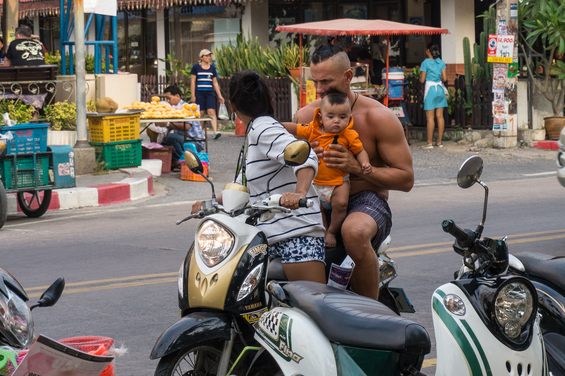 Isänsä poika Pattayan Jomtien Beachilla