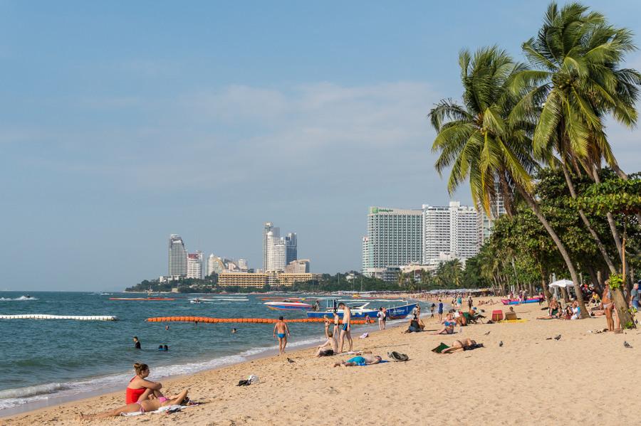 Pattayan uimaranta ja rantakatu – video ja kuvia