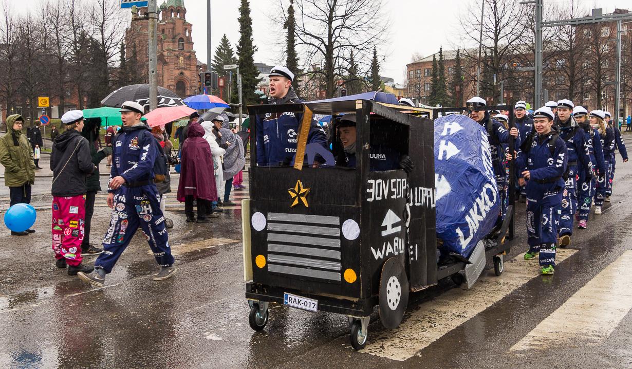 Tampereen teekkarien vappumarssi eli fuksikulkue 2018