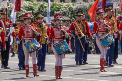 Rummuttajat Nevski Prospektilla Pietari-päivänä 2018