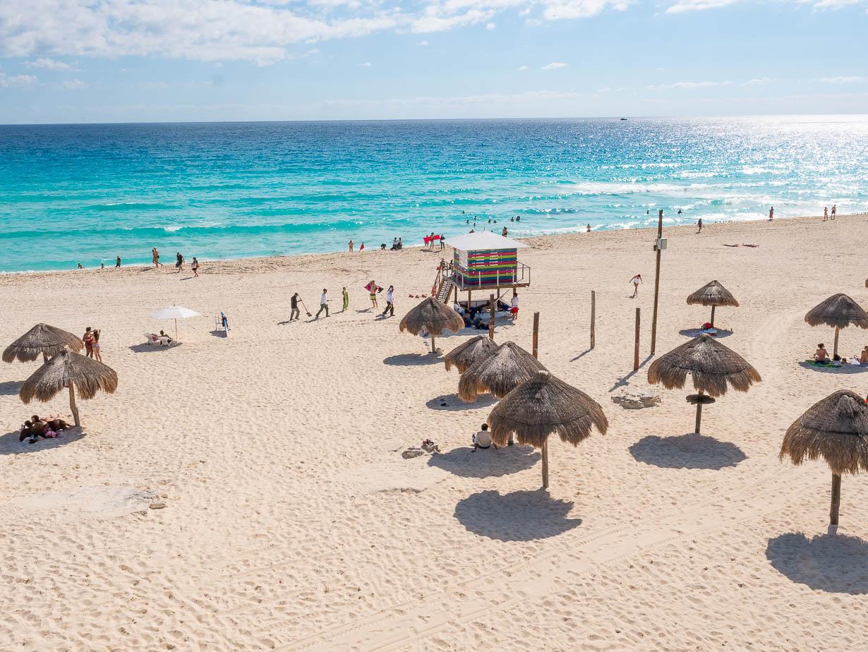 Playa Delfines eli Delfiiniranta, Cancun, Meksiko