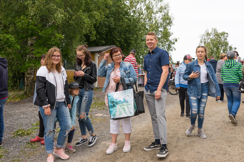 Sukulaisia saapumassa markkinoille, Raumankarin markkinat 2019, Himanka