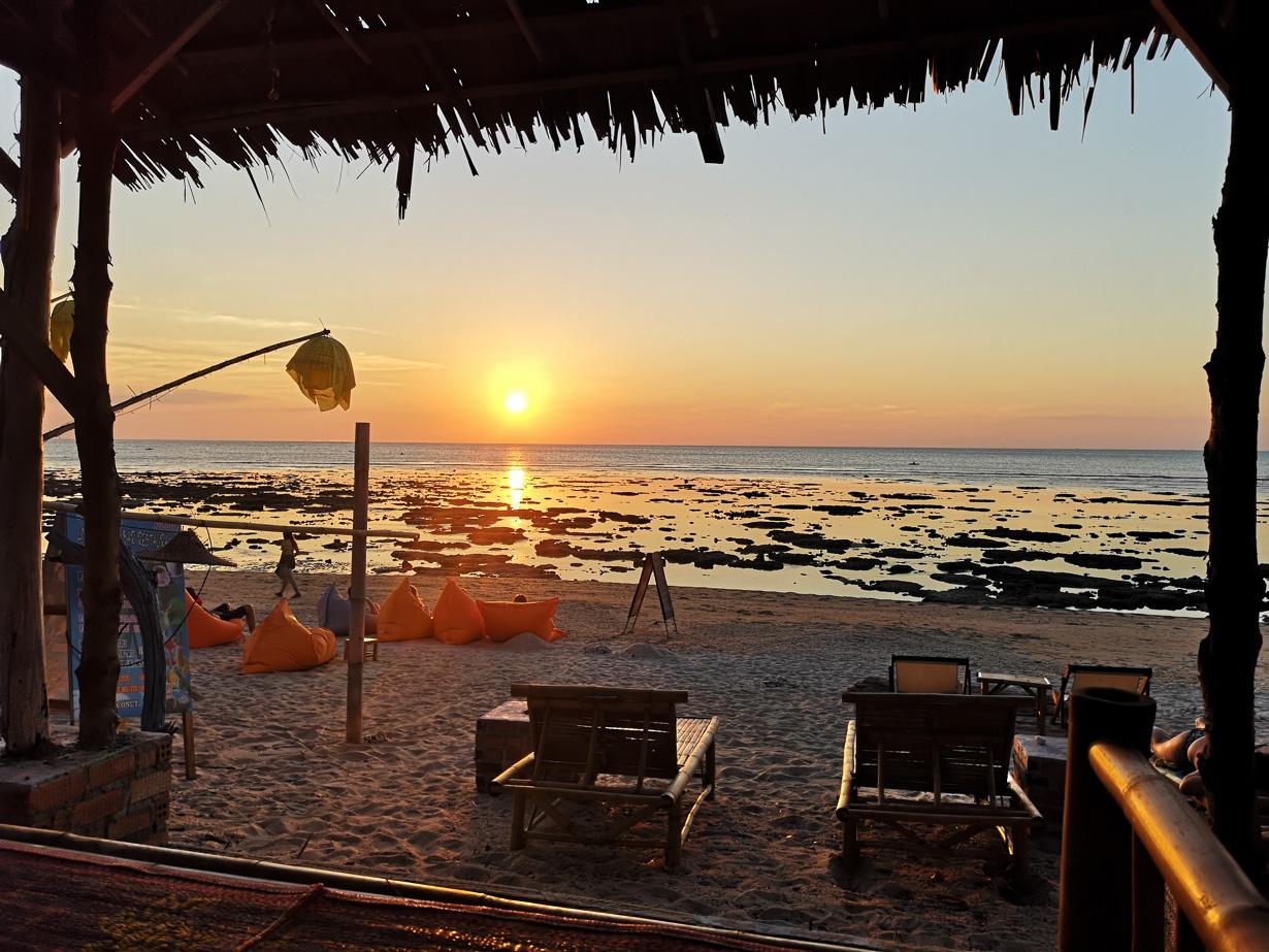 Klong Khong -rannan auringonlasku