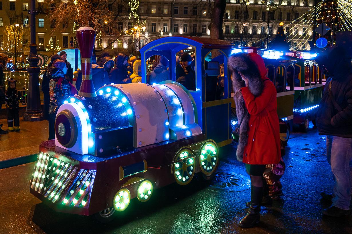 Lasten juna Pietarin joulumarkkinoilla