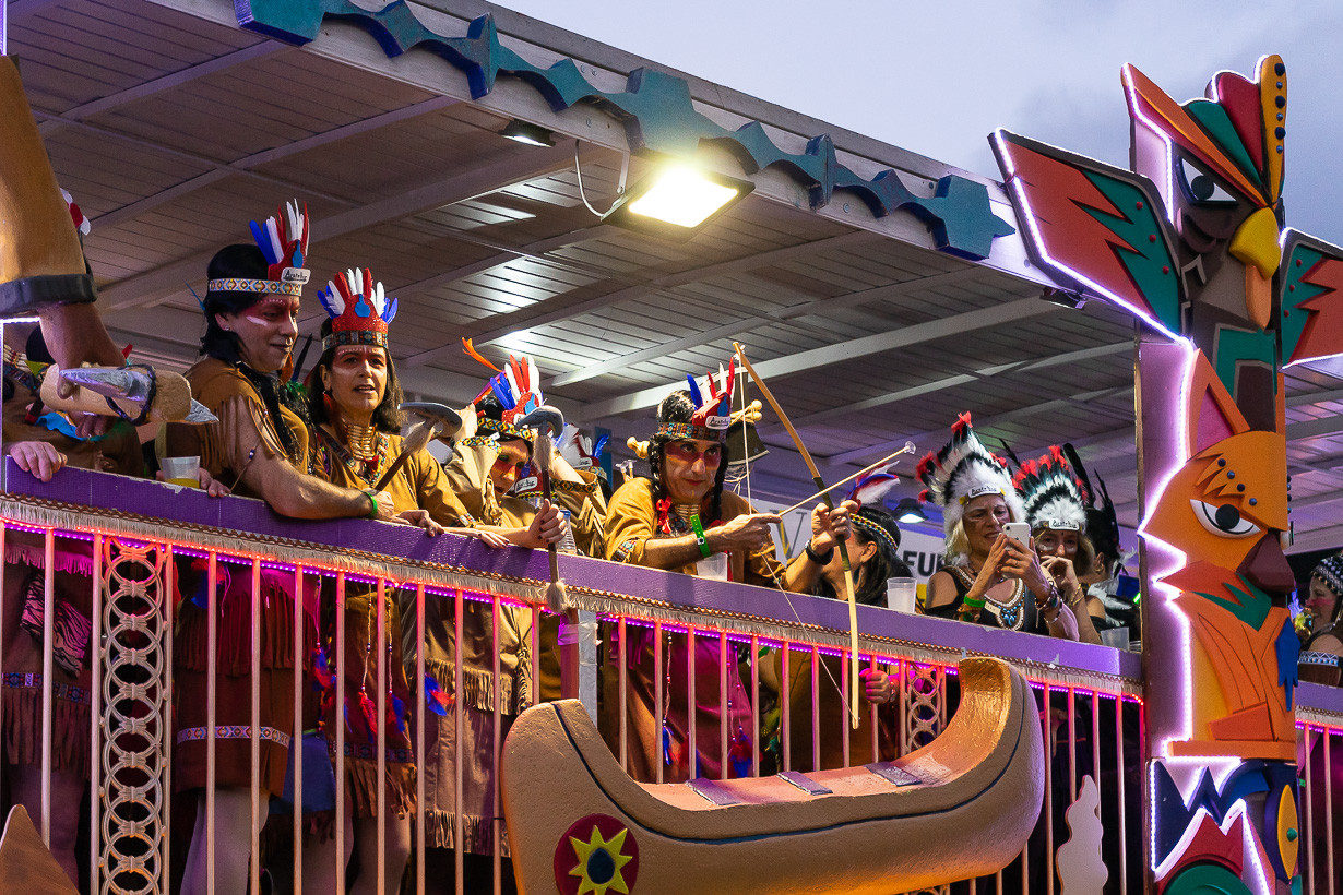 Las Palmasin karnevaalien 2020 suuri kulkue, intiaanit