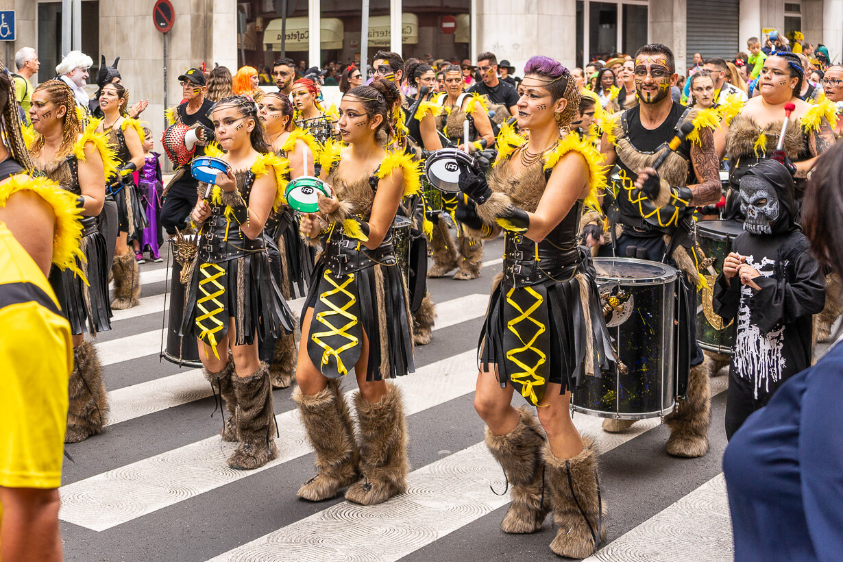 Las Palmasin karnevaalien 2020 lasten paraati, rumpuryhmä