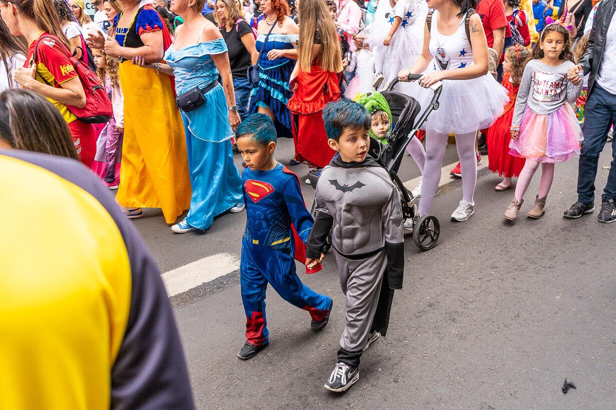 Las Palmasin karnevaalien 2020 lasten paraati, Superman ja Batman