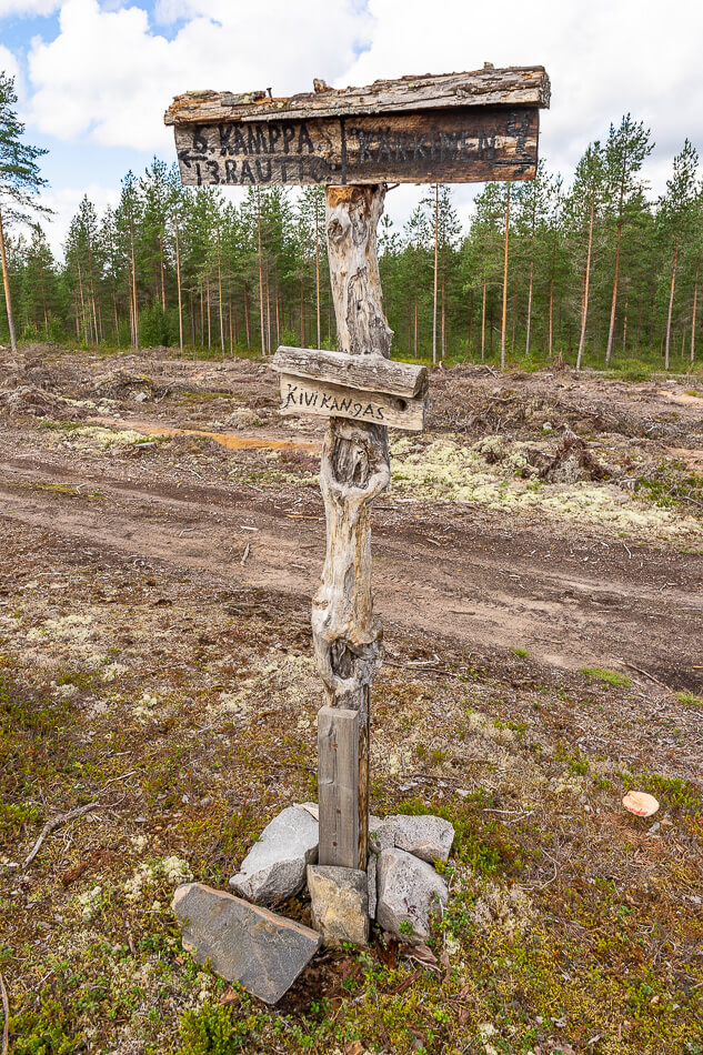 Kivikankaan laavu, Pitkäjärven luontoreitit