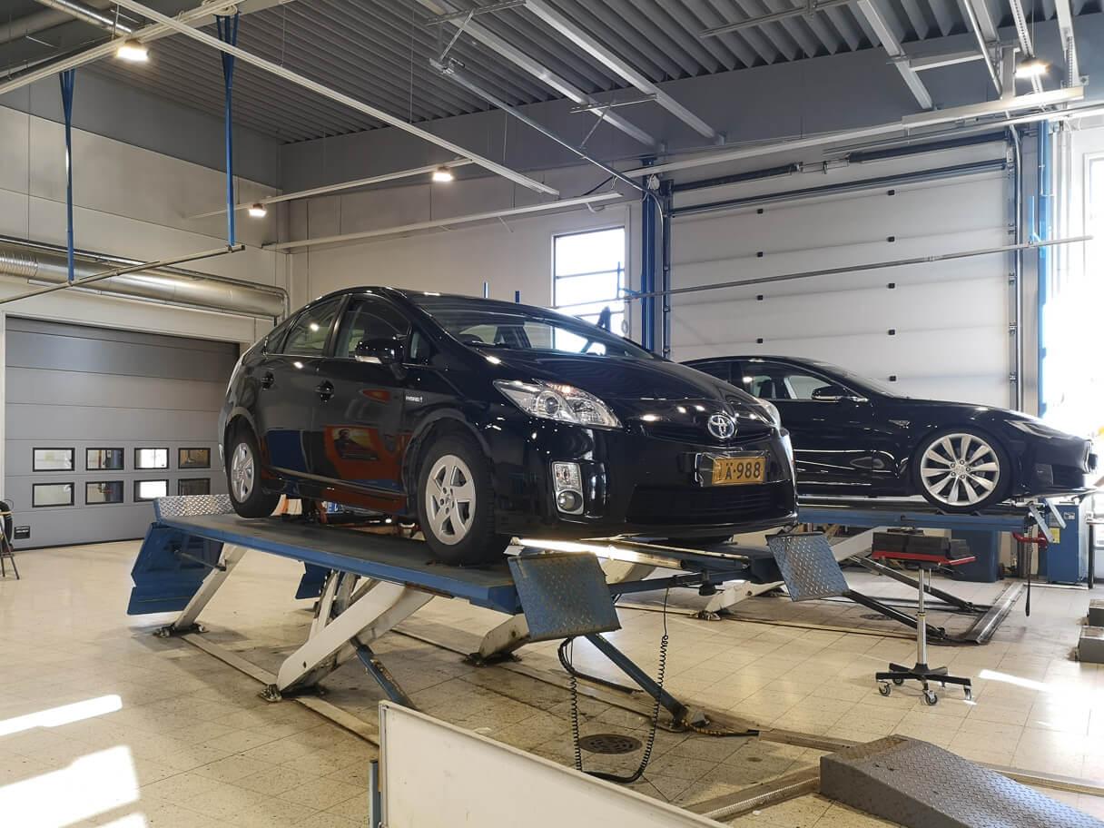 K1-Katsastuksen kuntotesti, Kokkola, Prius ja Tesla