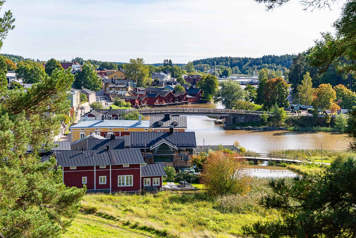 Näkymä Linnamäeltä Porvoojoelle.