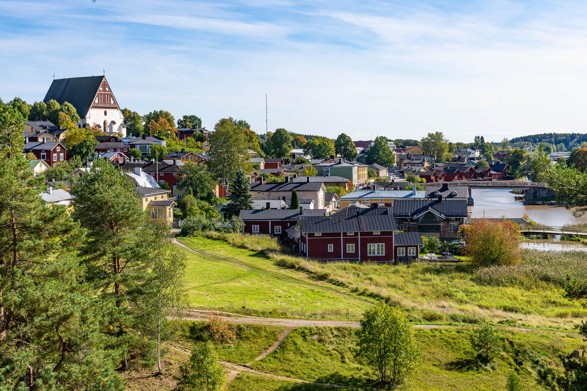 Vanha Porvoo Linnamäeltä katsottuna.